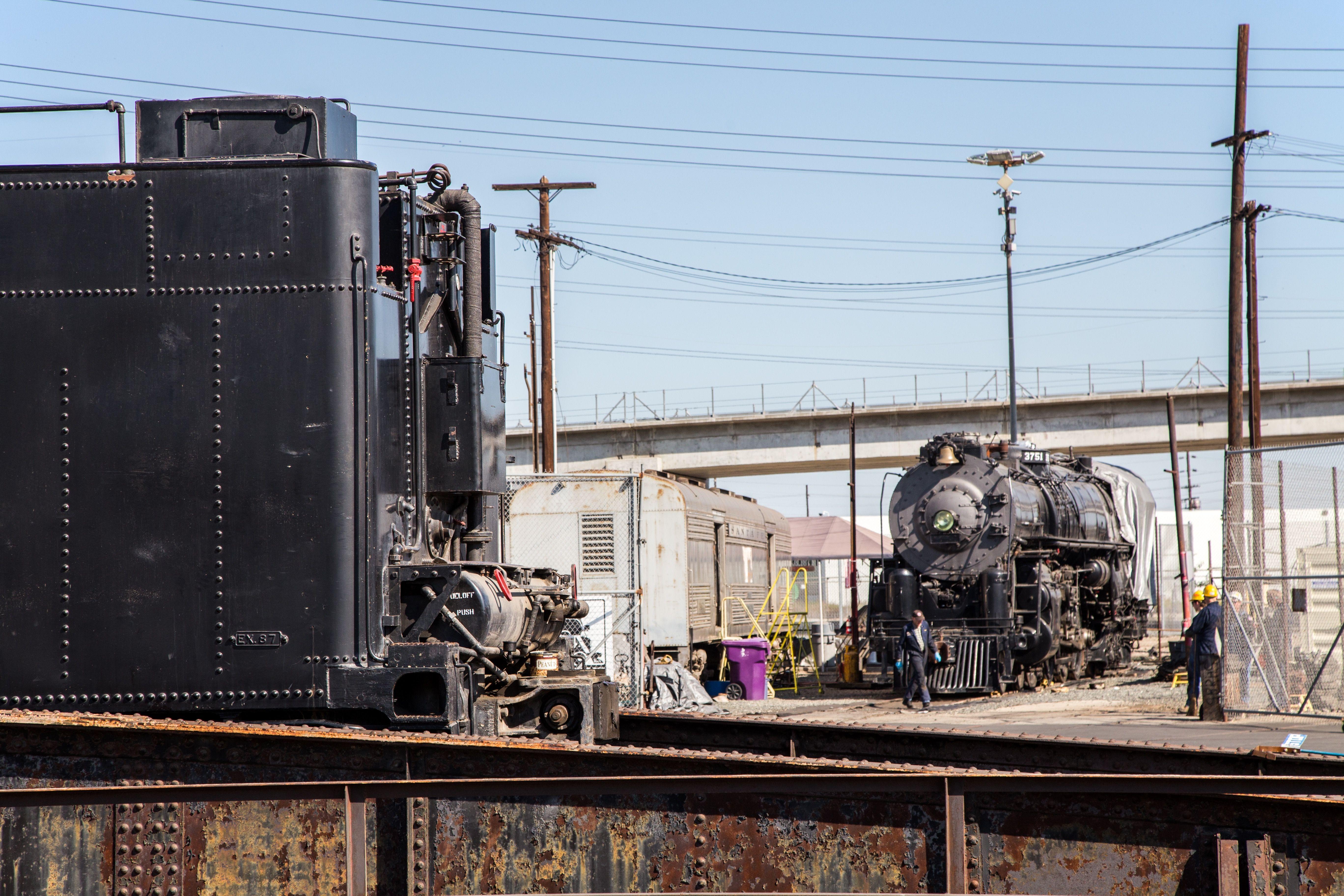 Locomotive - Tender Separation Complete