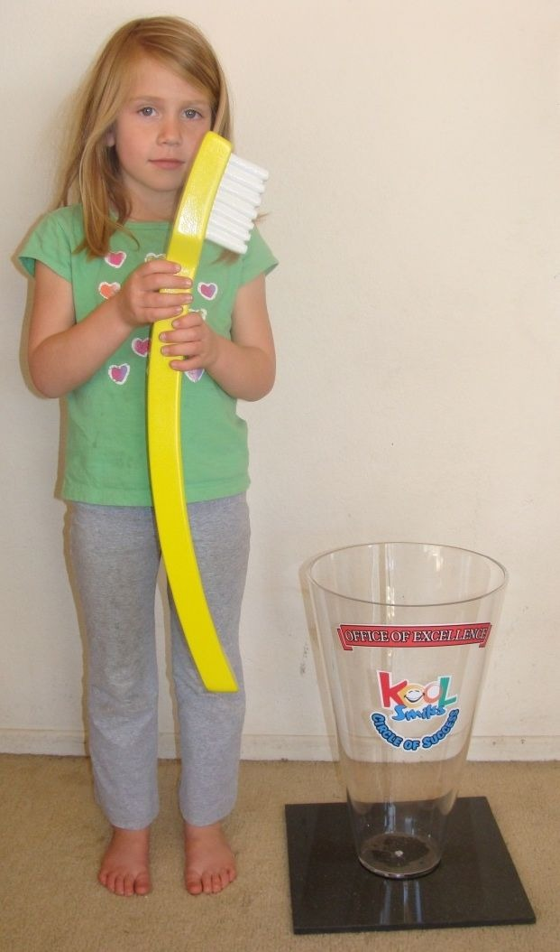 BA11674 – Large Toothbrush Model  for Trade Show