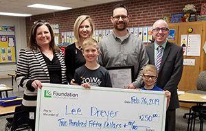 Lee Dreyer named Union Bank and Trust educator award winner