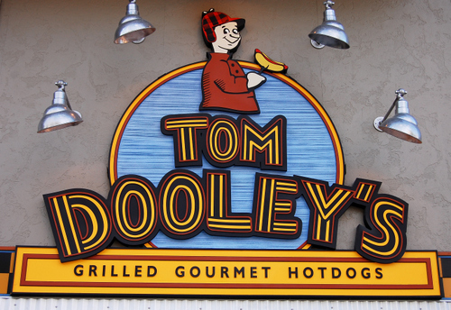 "M5006 - ""Tom Dooly's"" Restaurant Sign (detailed view)"