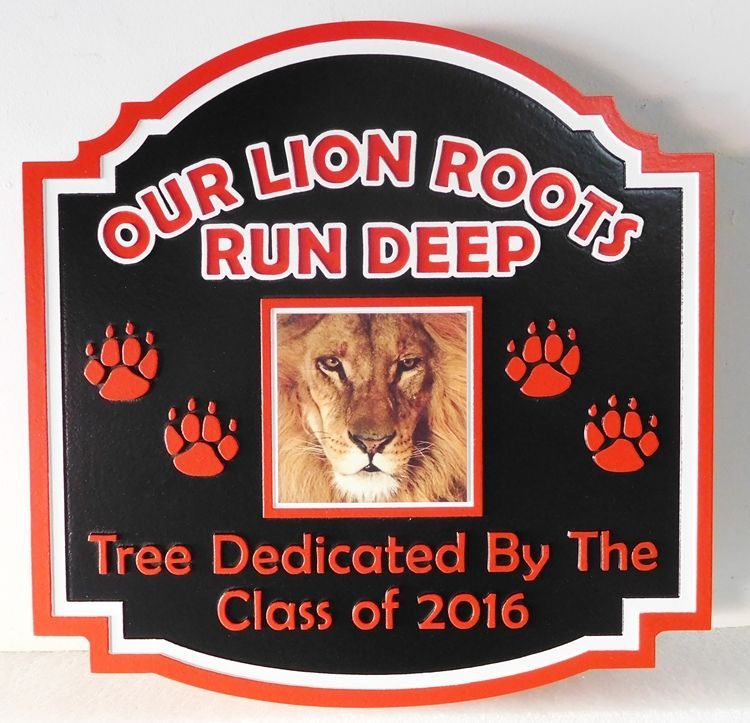 FA15683 - Carved Tree Dedication Sign Donated by a ,High School Graduating Class, with Giclee Vinyl Photo of Lion