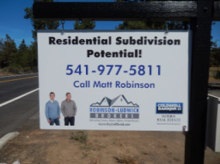 Residential real estate signs in Bend Oregon