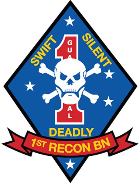V31416 - Carved Wall Plaque showing the Emblem of the 1st Recon Battalion of the United States Marines