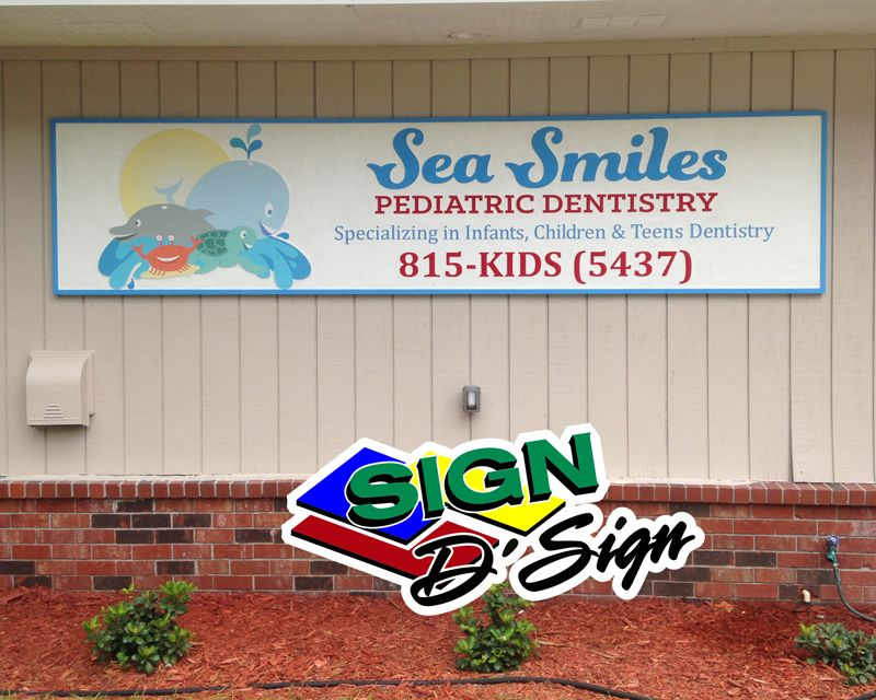 Sea Smiles Building Sign