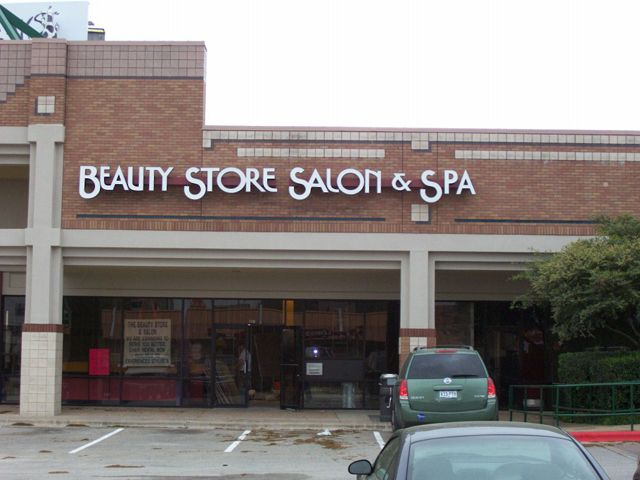 Beauty Store- Manufacture & Installation