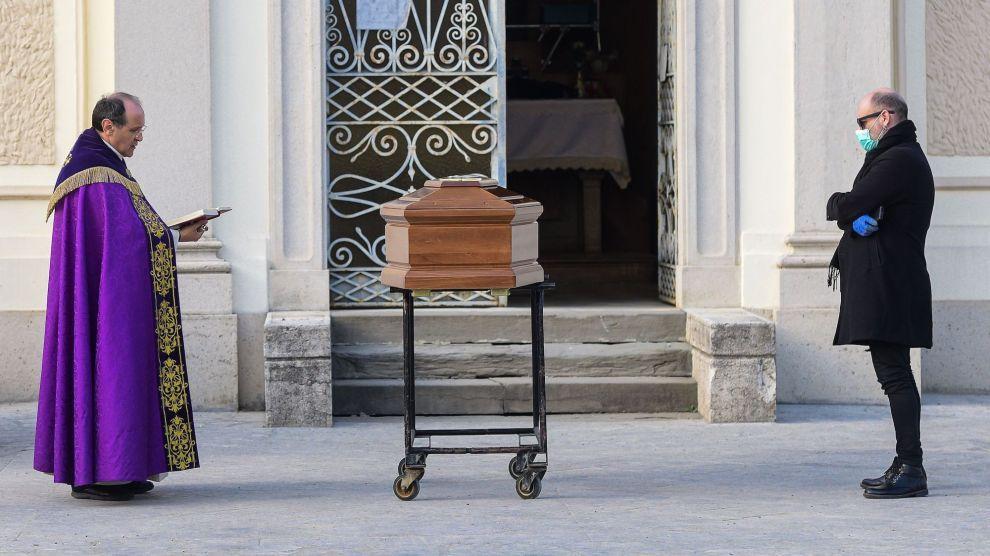 Virtual Memorials and No Hugs: The Funeral Industry Prepares for Coronavirus