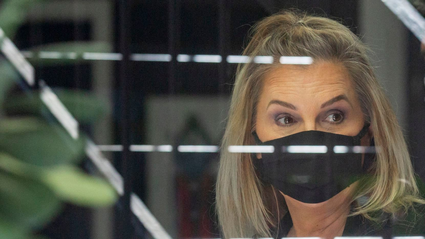 'Straight up wrong': Texas conservatives defend Dallas salon owner jailed for keeping open business amid coronavirus