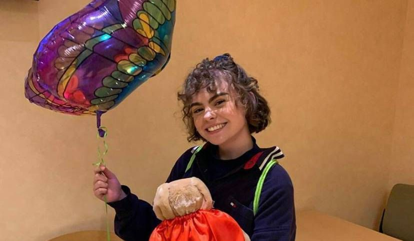 Hometown Hero: Teen's portraits of cancer treatement offer hope