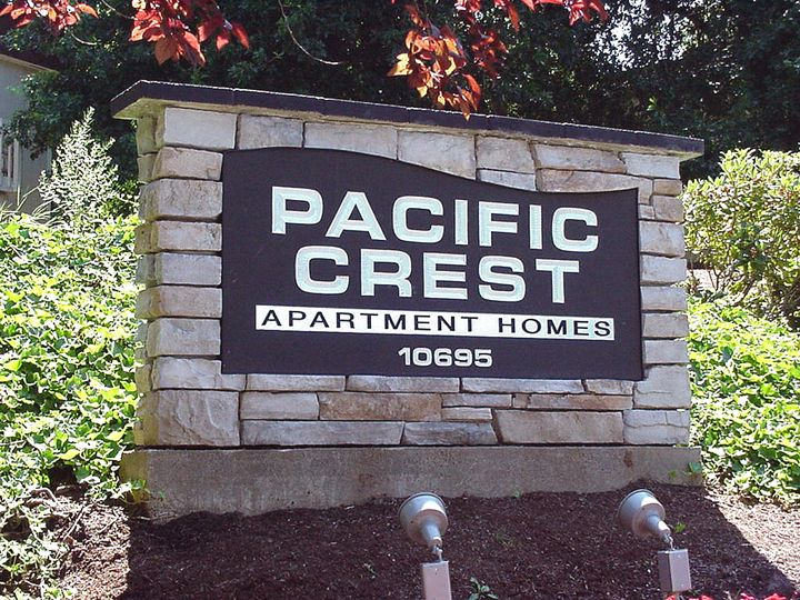 Pacific Crest Monument Sign