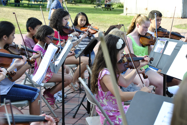 East End String Students To Rehearse in Open Orchestra Rehearsal (posted July 10, 2017)