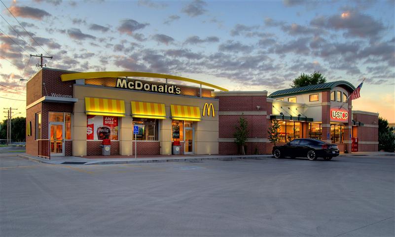 Lincoln >> Architectural Design Associates : Portfolio : Retail : U