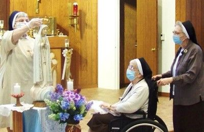 Felician Sisters Hold May Crowning at New Jersey Convent