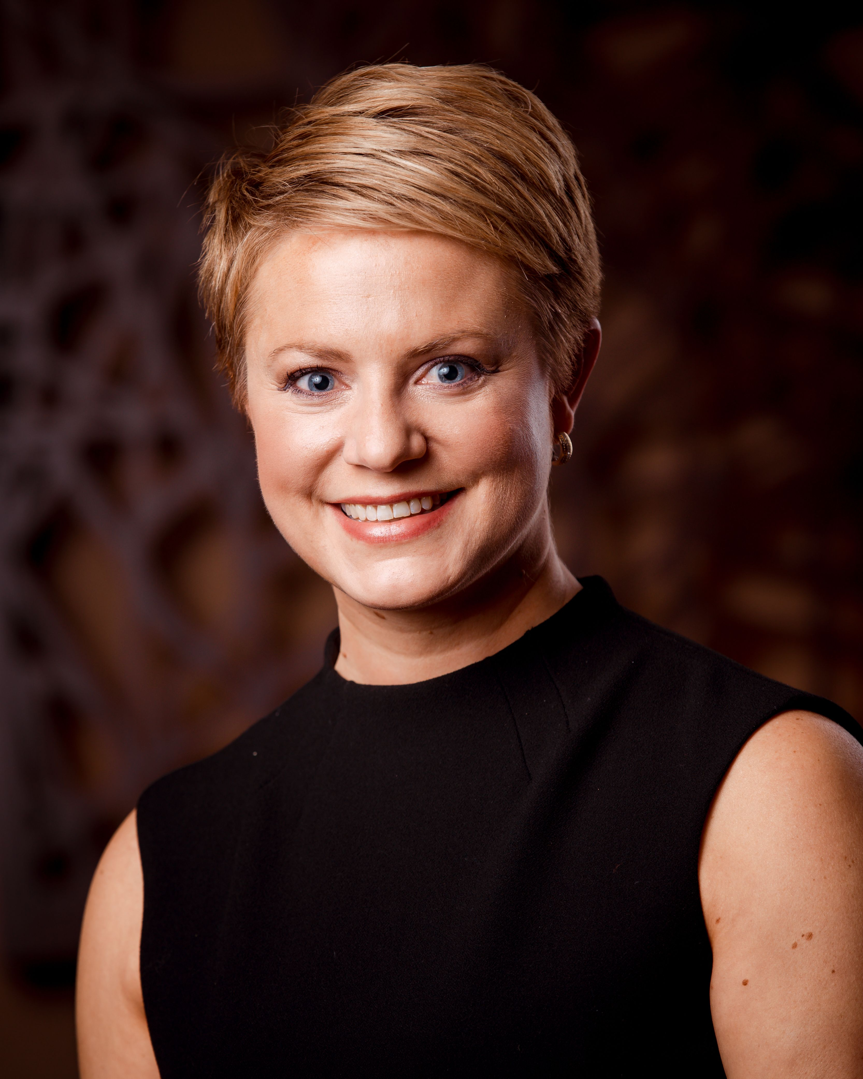 Amy Olson, Broker