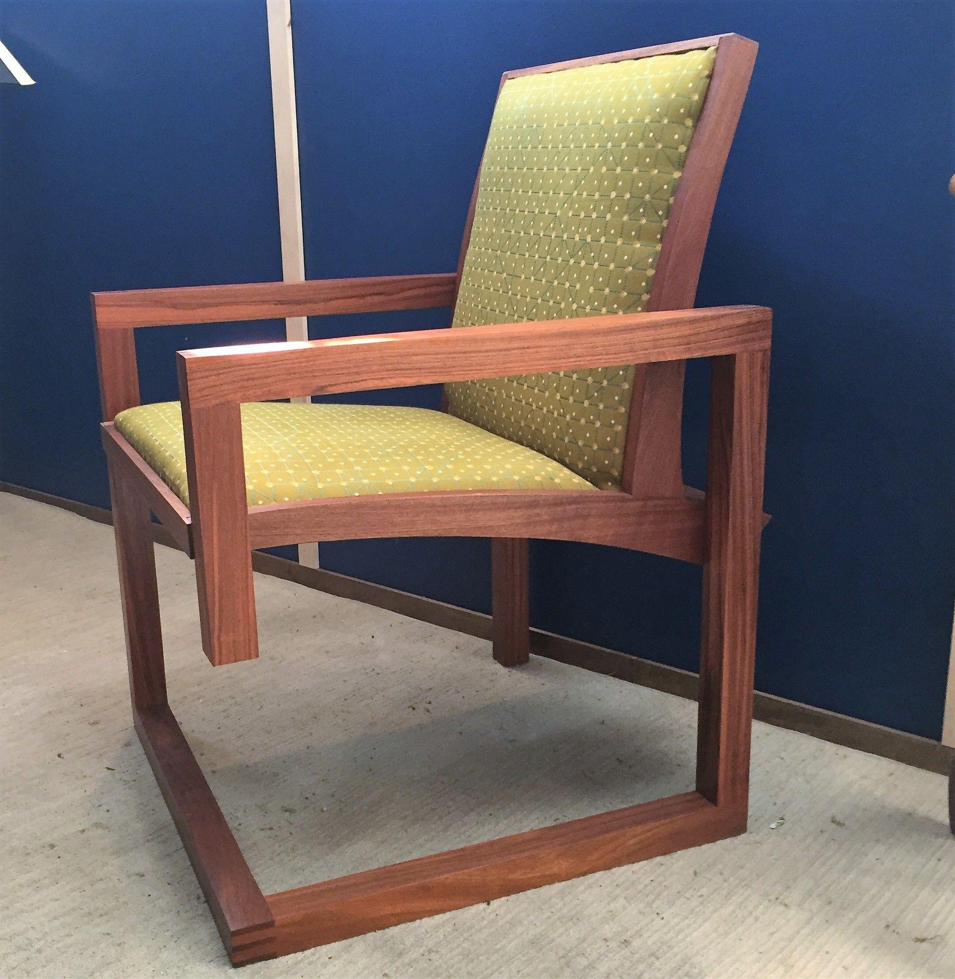 3 legged arm chair