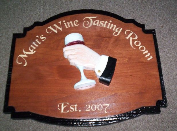 R27370 - Mahogany Wine Tasting Plaque with 3eD Hand Holding Glass of Wine