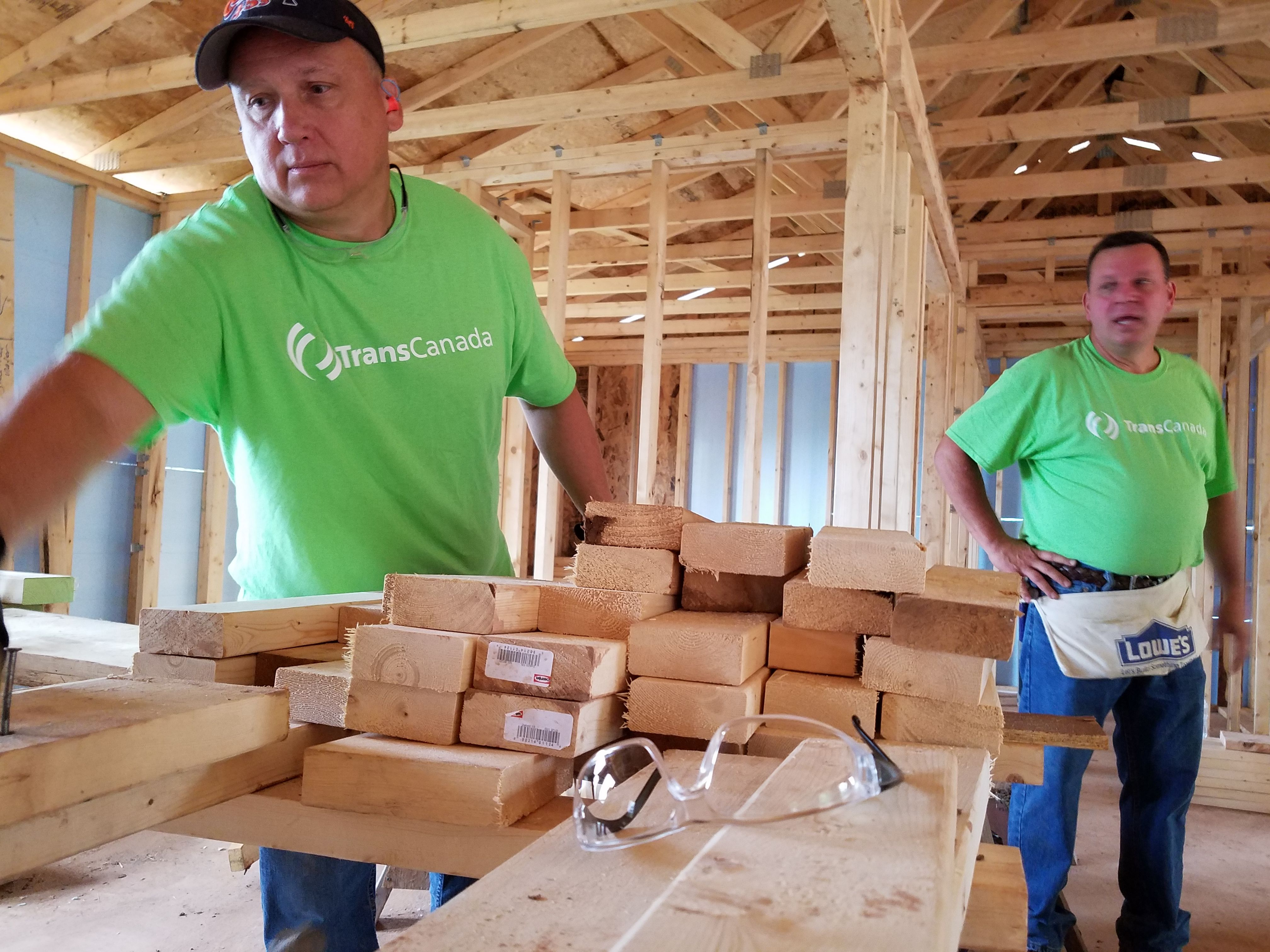 Habitat for Humanity welcomes new volunteers for the first time since the start of COVID-19