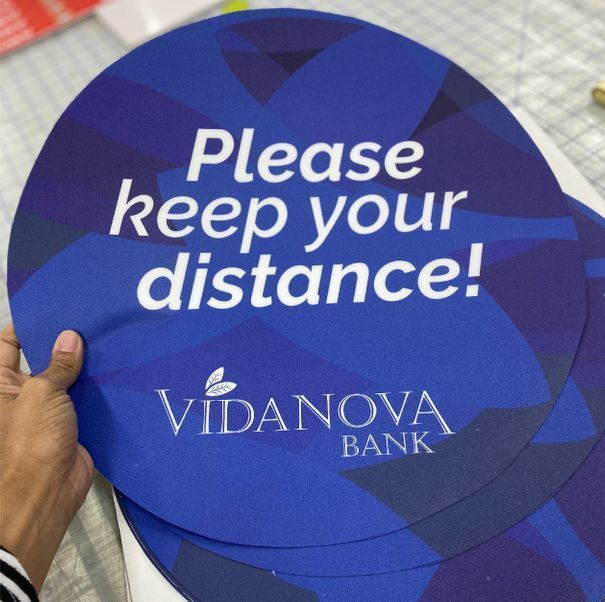Vida Nova Social Distancing Sticker