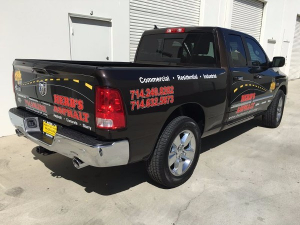 Adding graphics to your pick up truck brands your business