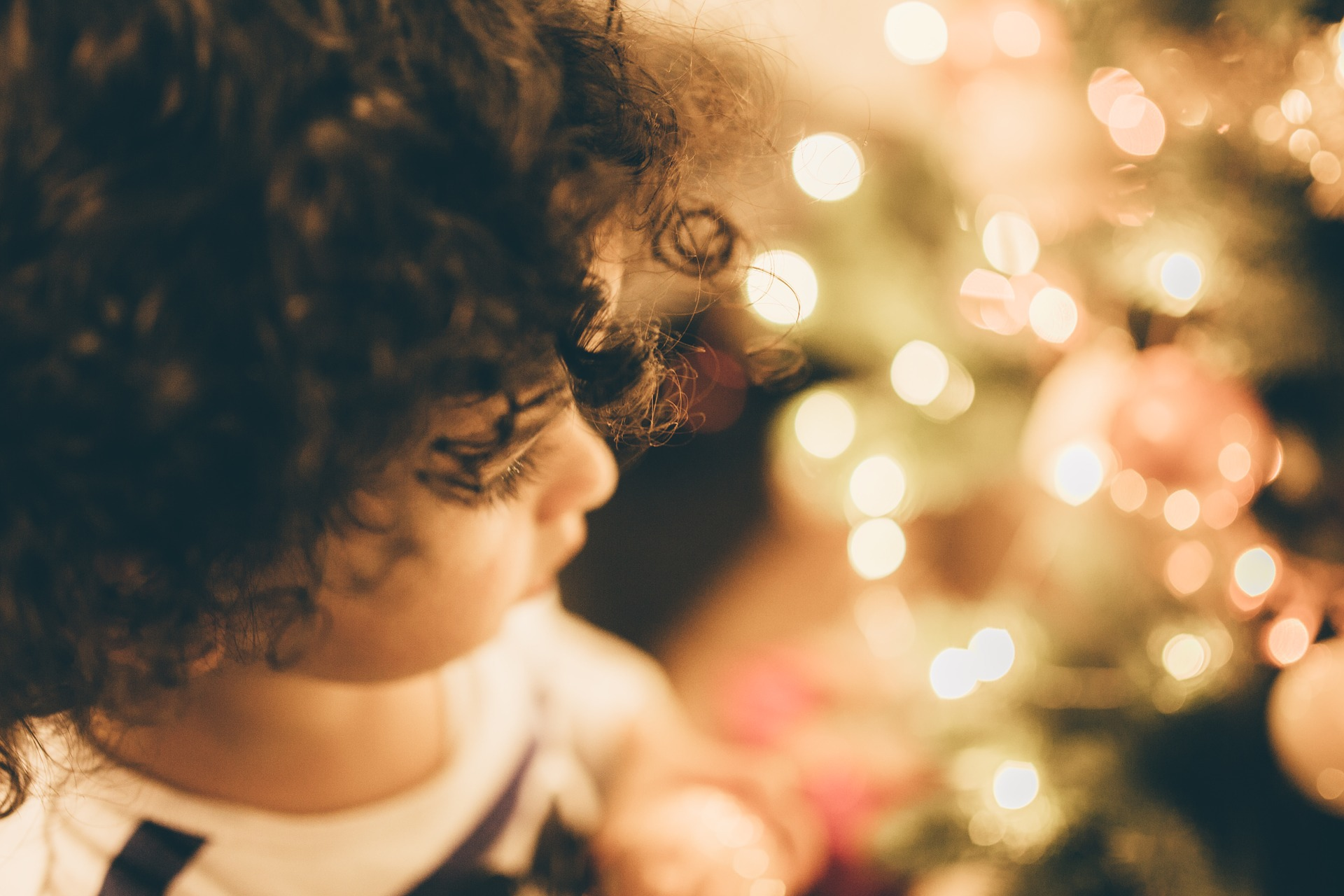 Let the Holidays Sparkle for Foster Youth!