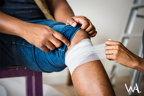 Treating a sports injury at home