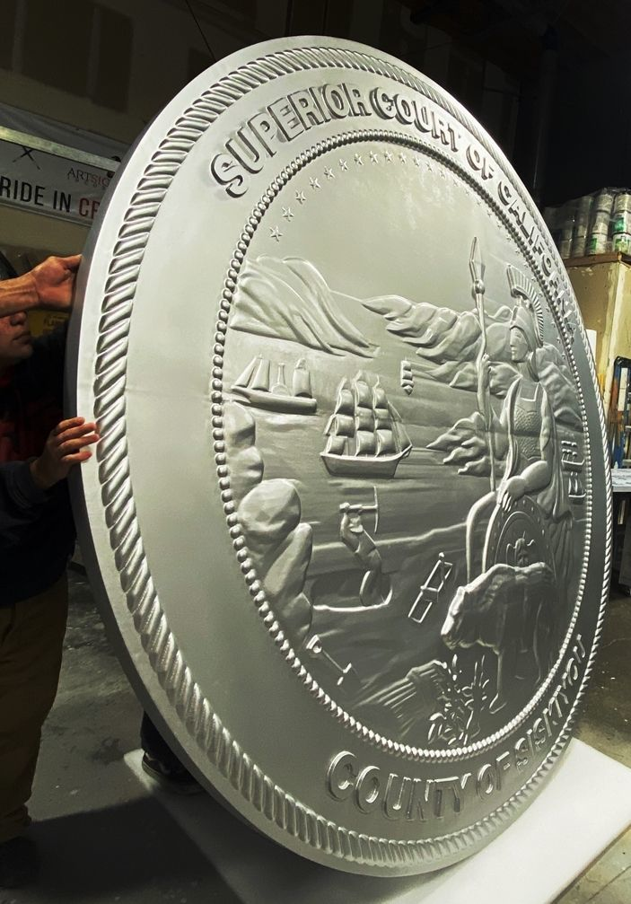 W32052- Side View of a Large 10 ft Diameter Carved 3-D Wall Plaque of the Great Seal of the State of California