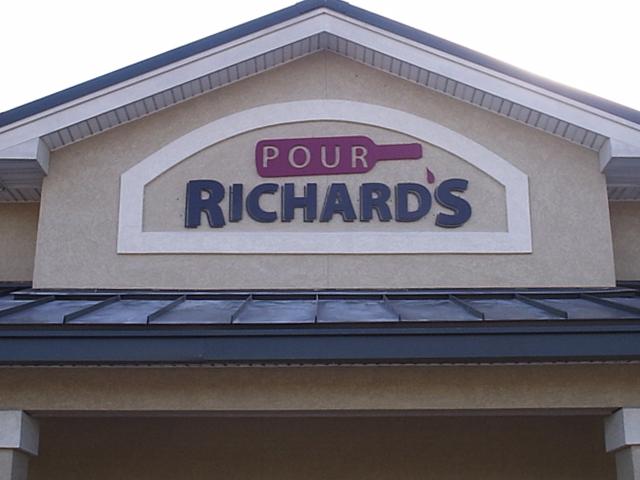 Pour Richard's