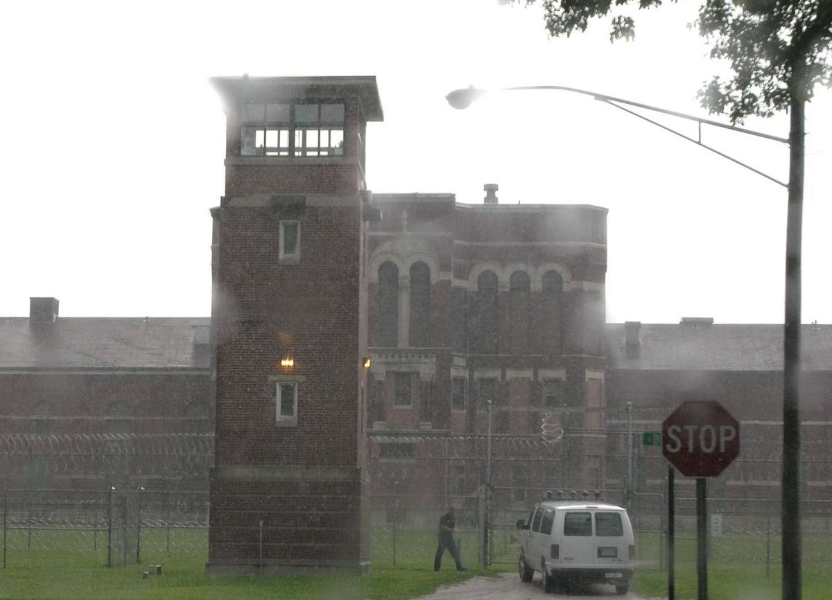 Illinois Department of Corrections cites progress on fixing mental health care