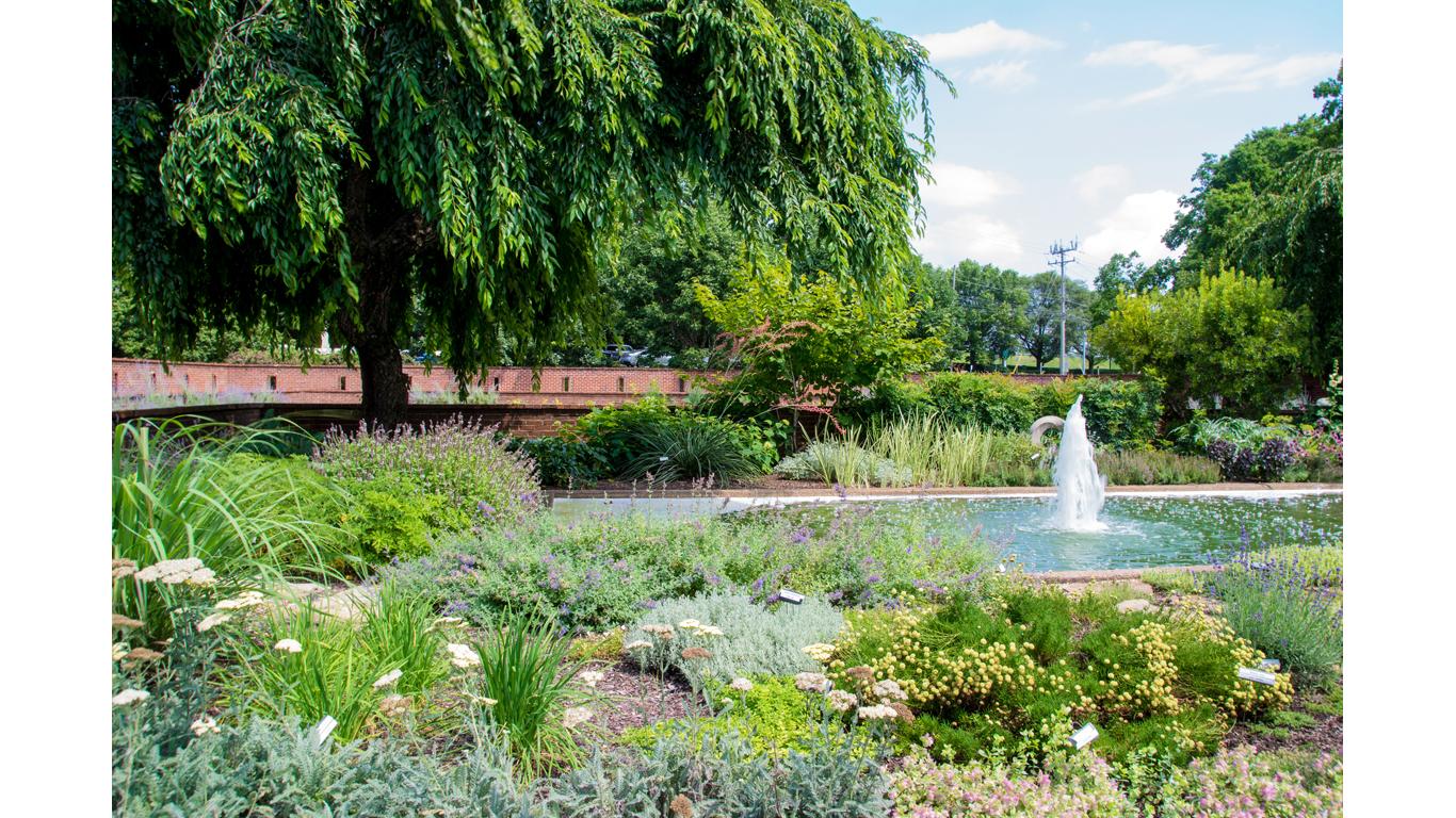 Centennial Garden 04