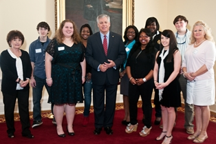 Sen. Gerald Allen with Hale County High School students