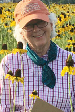 Flo Hannah Honored by Native Plant Award