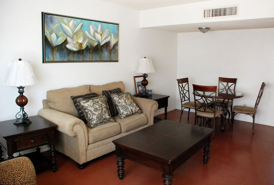Las Casitas Apartments