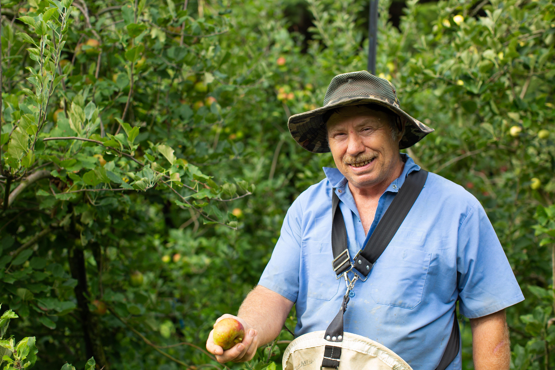 Scholars & Scones: Apple Tasting with Moretz Mountain Apples