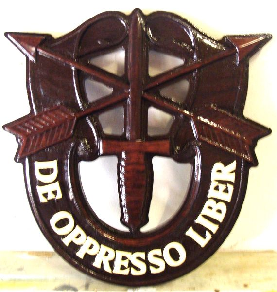 """V31742 – Carved 3D Wood  Badge Plaque for Special Forces, with text """"De Oppresso Liber"""", translated as  """"Liberate the Oppressed"""""""