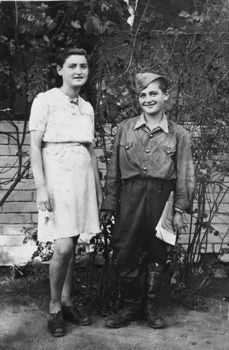 Eva and Moritz Zelmonovits