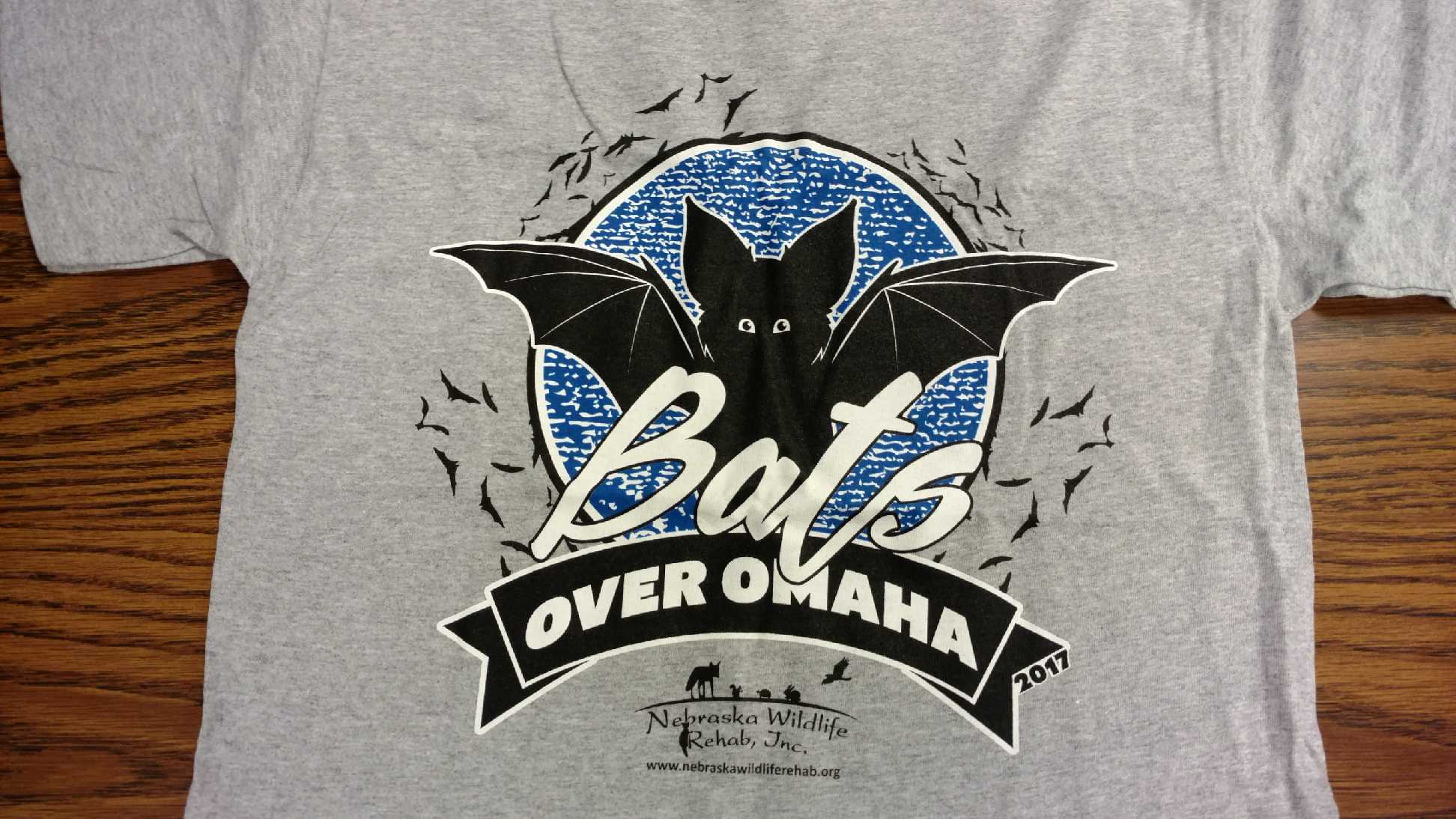 Bats Over Omaha Bat Release T-Shirt - 2017: Adult Small, Gray