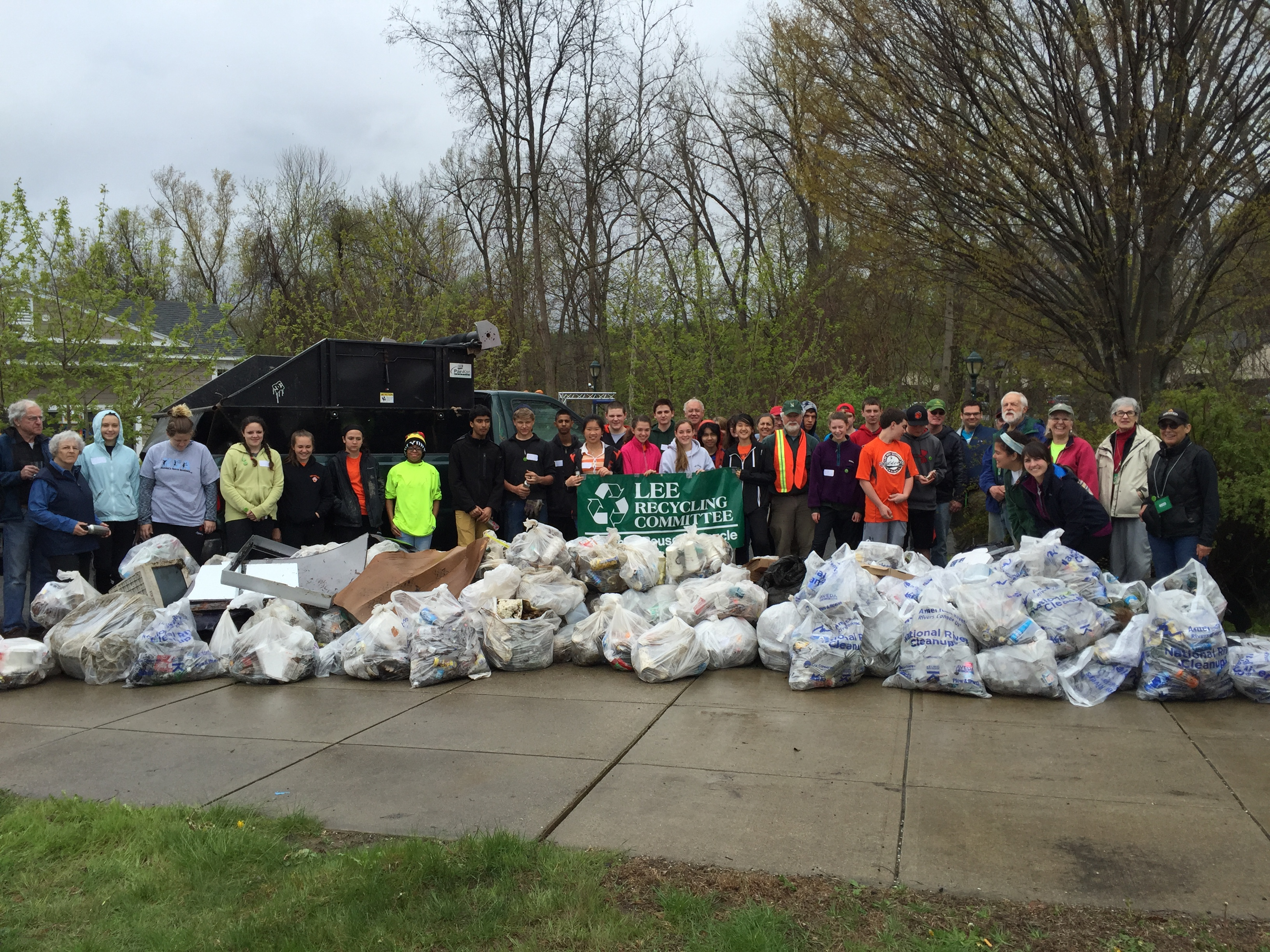 Lee's 4th Annual Greener Gateway Cleanup
