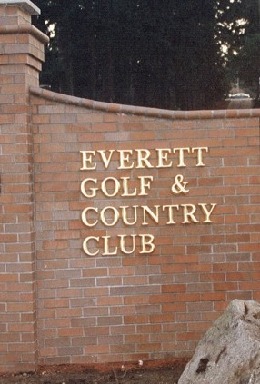 Everett Golf and Country Club Entrance
