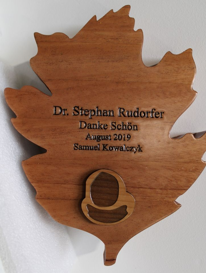ZP-4045 - Carved Mahogany Plaque in Shape of Oak Leaf with Acorn, 2.5-D Engraved