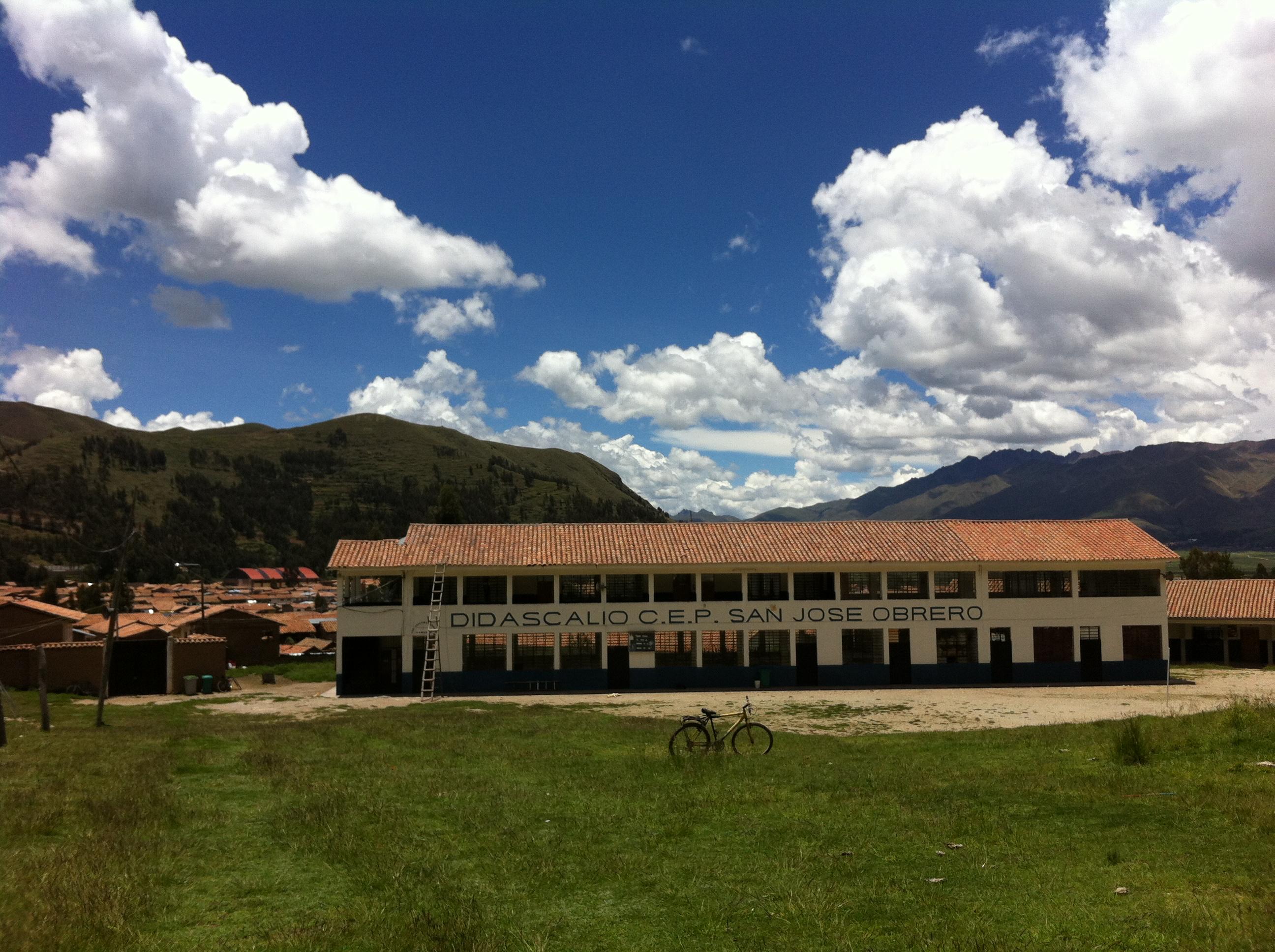 """""""San José Obrero"""" School in Pomacanchi, Cusco (Peru)"""