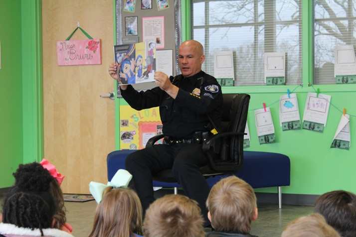 "4 Celebrity Read-Alouds of ""Sammy's Big Dream"" during America Saves Week in Arkansas"