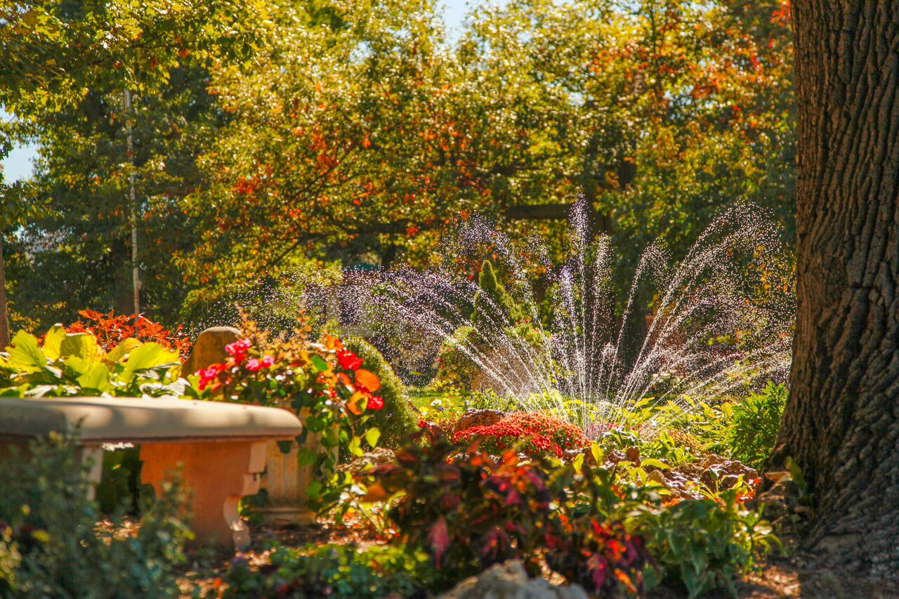 Joslyn Castle : About : Garden & Grounds