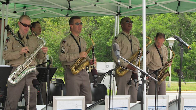 "The ""Airmen of Note"" Sax Players Get the Crowd in the Spirit!"