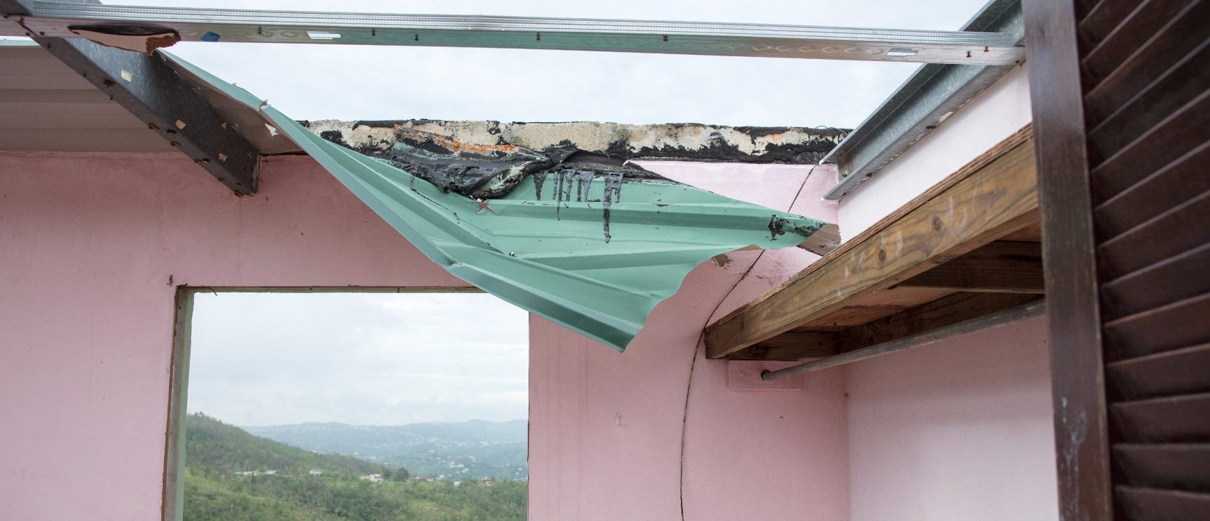 Ayuda a reconstruir Puerto Rico