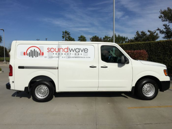 Vehicle Graphics for Mobile Businesses in Orange County