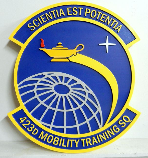 V31612 -  Wall Plaque of the Crest for the 423rd Mobility Training  Squadron, US Air Force