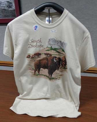 T-Shirt - South Dakota Mount Rushmore Buffalo