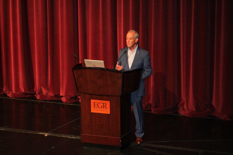 EGRSF Distinguished Alumni Honoree Bill Krissoff Speaks to Students