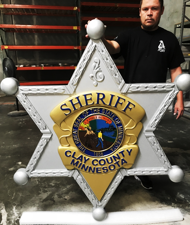 PP-1190 - Carved Plaque of the Badge of the Sheriff of Clay County, Minnesota, 3-D Artist-Painted