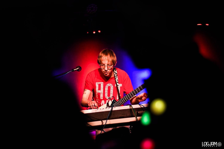 SEAN BURRESS | Musician & Performer