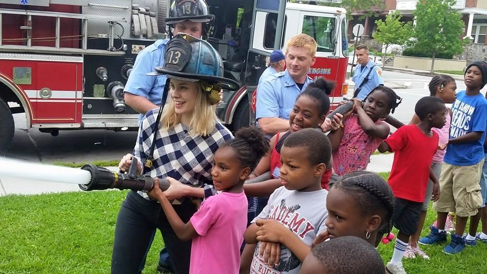 Jessica & Kids with the firehose